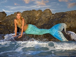 Real Mermaid Tails http://darkparadox88.blogspot.com/2012/03/mermaid-merman-merfolk.html