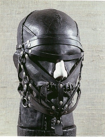 Nancy grossman cabezas heads cuero leather bdsm art