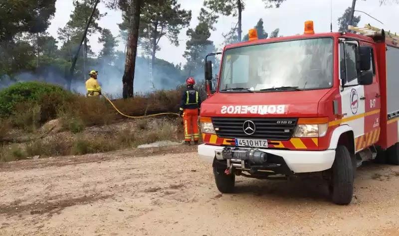 Μεγάλες πυρκαγιές στην Ισπανία: Εκατοντάδες άνθρωποι εγκαταλείπουν σπίτια και ξενοδοχεία.