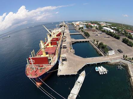 Pelabuhan Banyuwangi Mulai Berlakukan Aturan APD Kawasan Penandatanganan komitmen K3