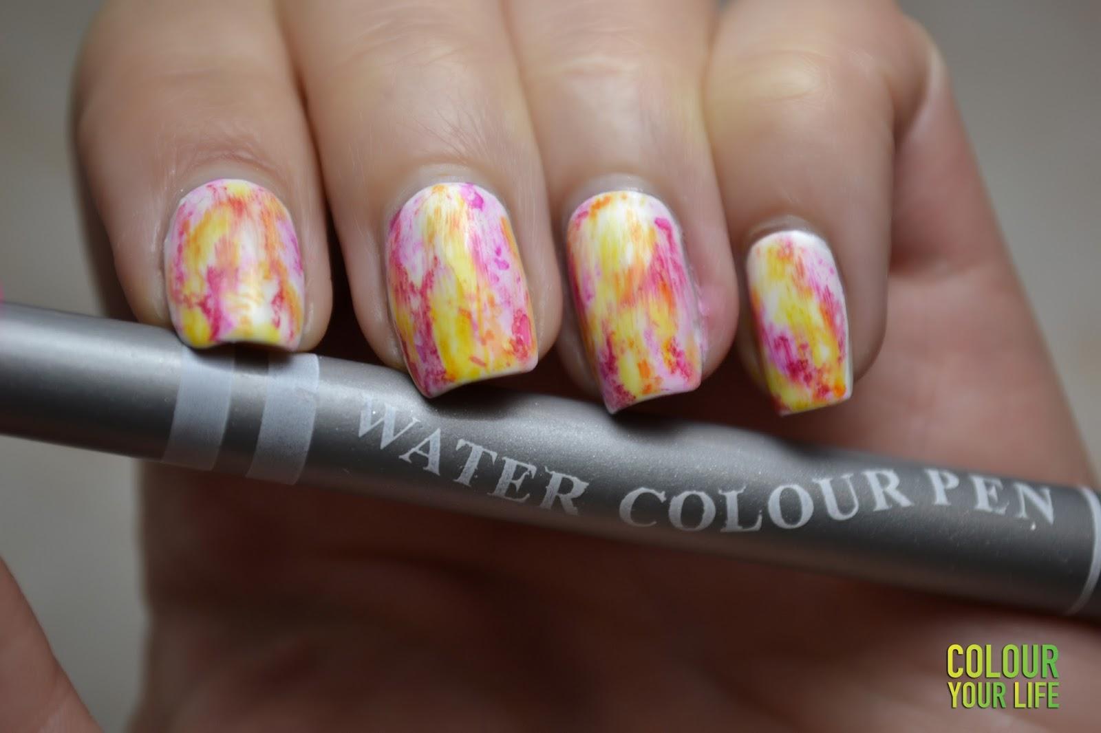 Colour your life: Nail Art Marathon - 3.Neon Nails