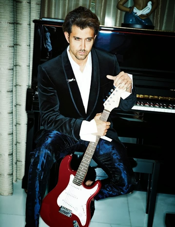http://1.bp.blogspot.com/-yxru49Z8peU/UmgJUNeIv2I/AAAAAAABkbg/BvP78JGQXDk/s1600/Hrithik+Roshan+on+cover+page+of+Filmfare+Nov+2013+and+full+photoshoot.jpg