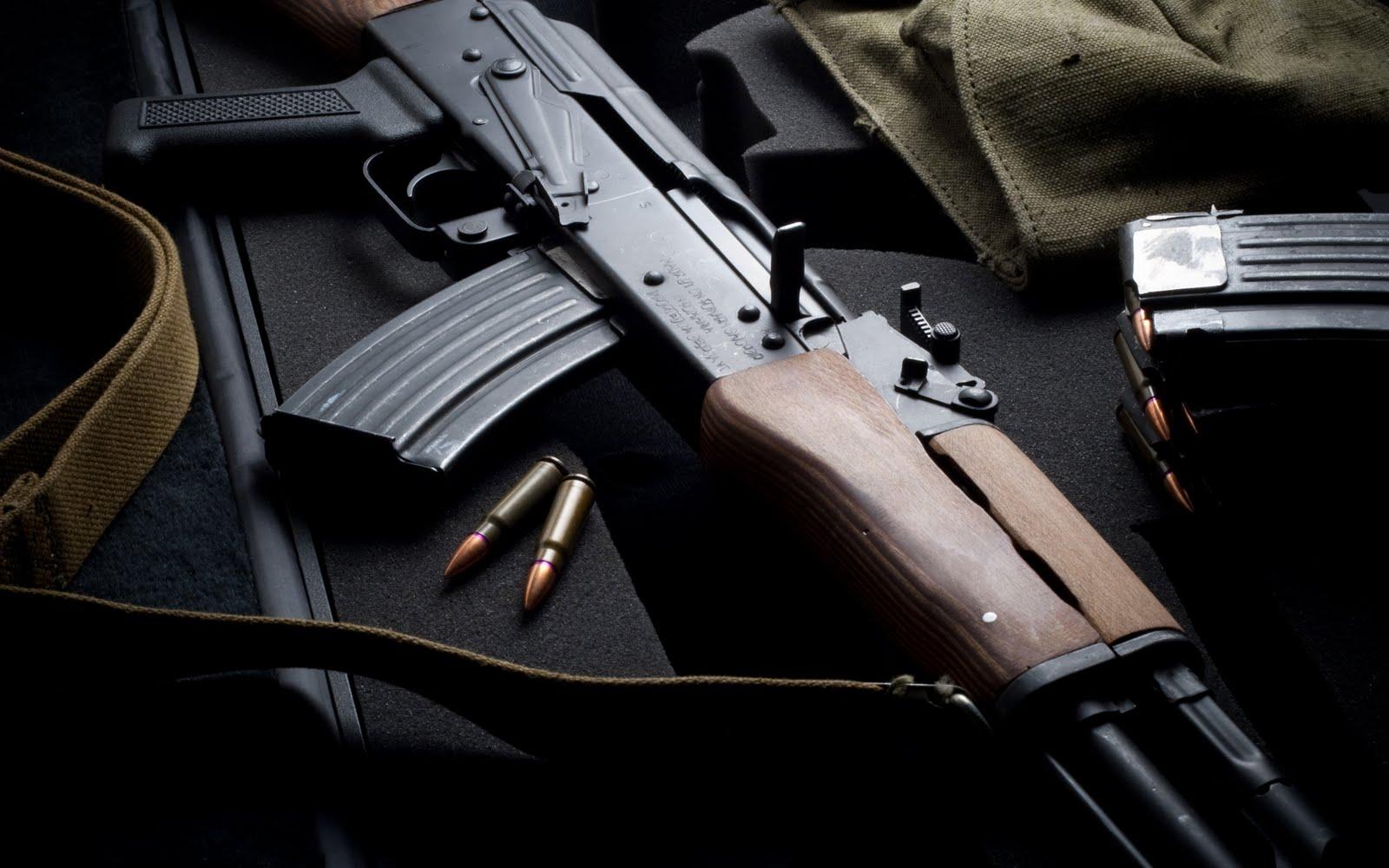 http://1.bp.blogspot.com/-yxruHq7XPmM/Tdwl4iyHLUI/AAAAAAAACLM/5NuFnz2LuX0/s1600/Kalashnikov.jpg