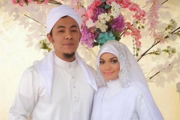 Syamsul Yusof Mula Edar Kad kahwin