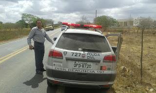 Delegado Civil doa carne de animal atropelado e morto em acidente sexta-feira (18) em Cuité