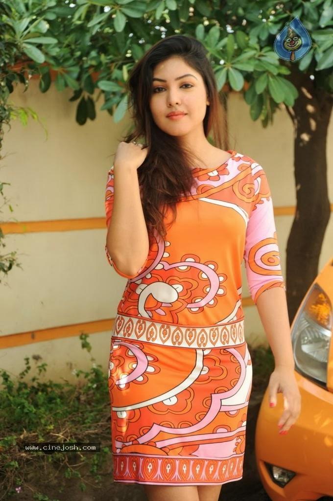 Komal Jha, Komal Jha Hot Photos, Komal Jha Photo Gallery: Komal Jha ...