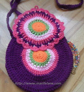 crochet purse apliqued by beads and buttons