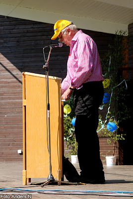 tore gillberg, redaktör, pensionerad, sydöstran, sydöstra sveriges dagblad, tal, talarstol, nationaldag, nationaldagsfirande, sveriges nationaldag, nationaldagen, holje park, olofström, blekinge, sverige, sweden, swedish national holiday, foto anders n
