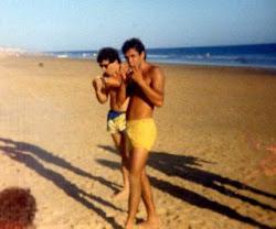 Sardinitas en la playa con mi colega Ilde.