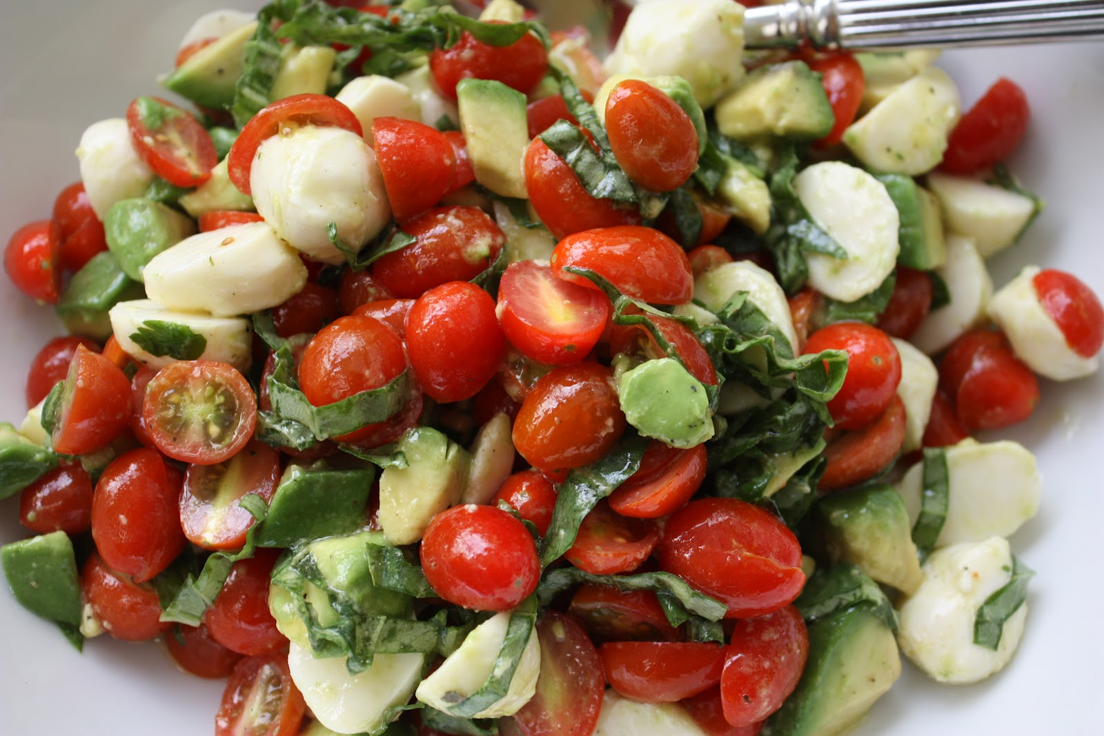 Meet the Sullivans : Mozzarella, Tomato, Basil & Avocado Salad