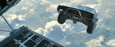 [Video] Mobil di Jatuhkan Dari Eskalator