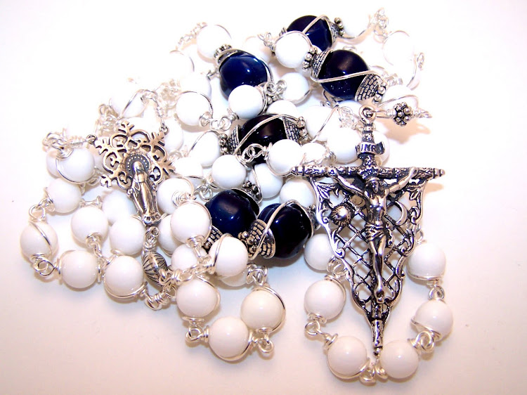No. 22.  Rosary Of The Queen Of Peace (not Available)