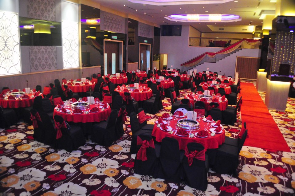 Crystal crown hotel petaling jaya crystal crown ballroom with pillars junglespirit Choice Image