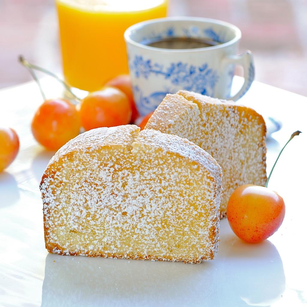 JULES FOOD...: Parmesan Vanilla Bean Pound Cake