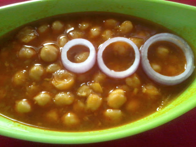 Enticing Ghugni/Chana Masala/Chickpeas Curry