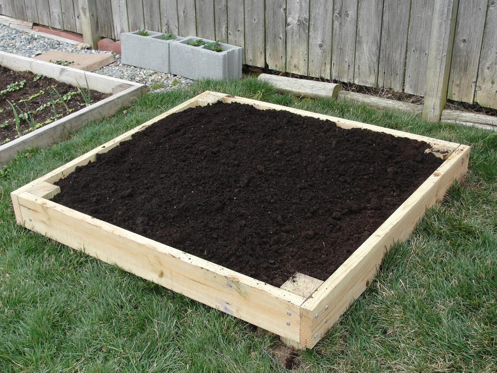 Lessons From The Garden Build Your Own Raised Bed For Small Spaces Diy