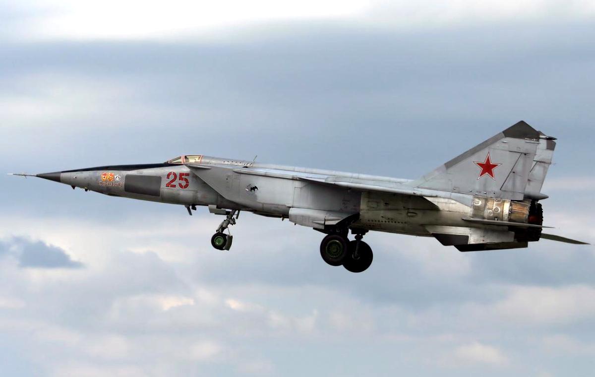 MiG-25 Foxbat Jet Fighter Wallpaper 2