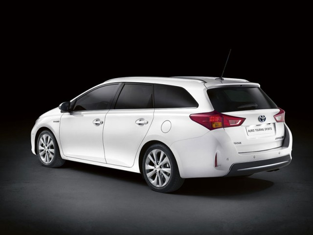 Toyota Auris Touring Sports 2013 new