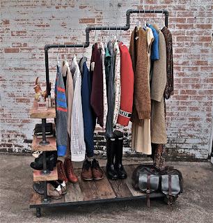 http://1.bp.blogspot.com/-yzzsvcrbn7o/UVF5DrXnC7I/AAAAAAABJRc/rpDmPzAFEck/s1600/Industrial-Garment-Rack-by-stellableudesigns-1.jpg