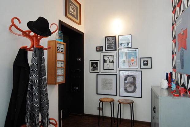 Schwarz Wei?e Blockstreifen Tapete : Die-Wohngalerie: Grafisch elegant – ein Midcentury-Einrichtung in