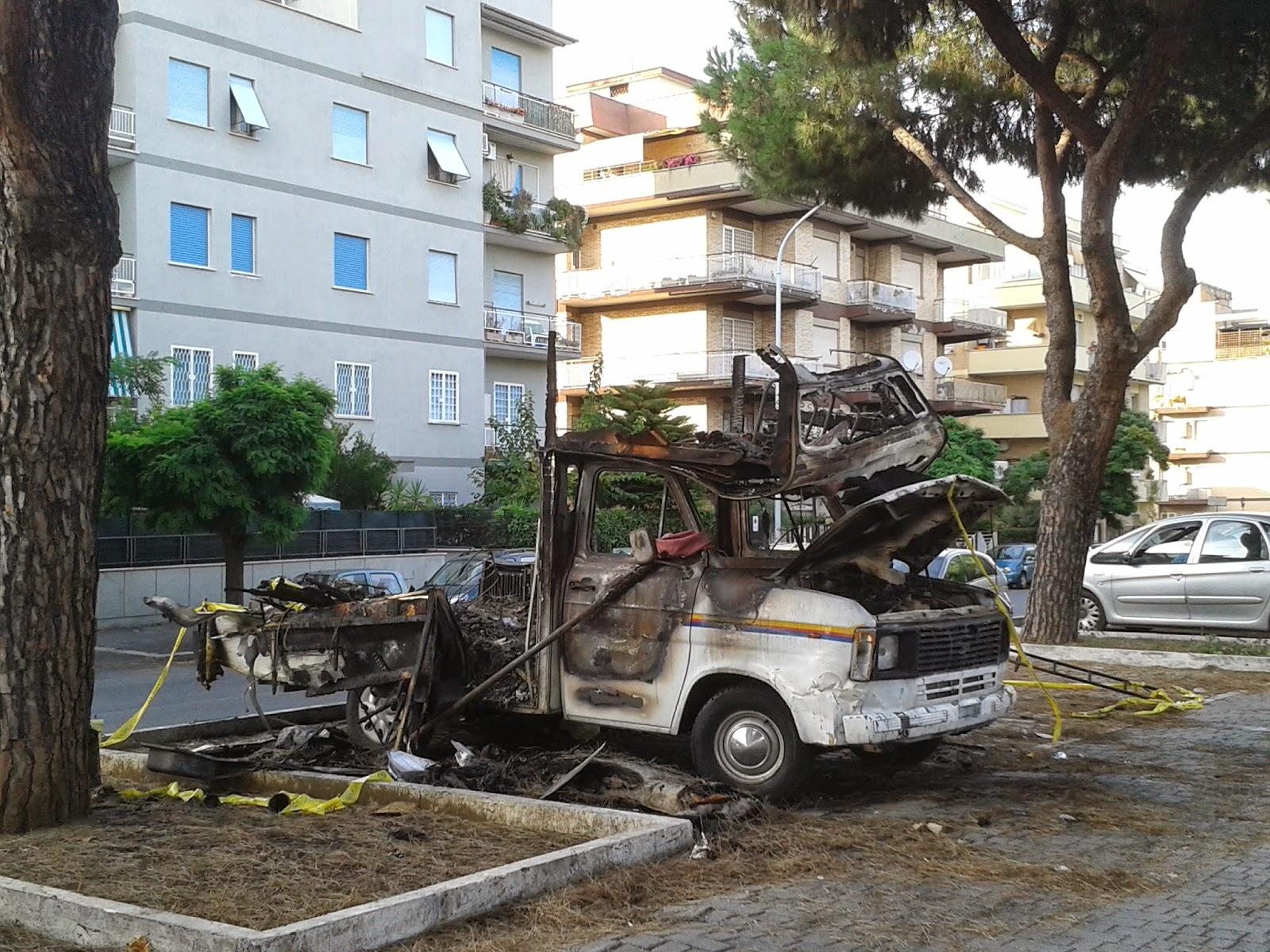 Ancora foto dall area di Via Palmiro Togliatti Un degrado quasi cinematografico nel senso che la zona sempra un set dell orrore