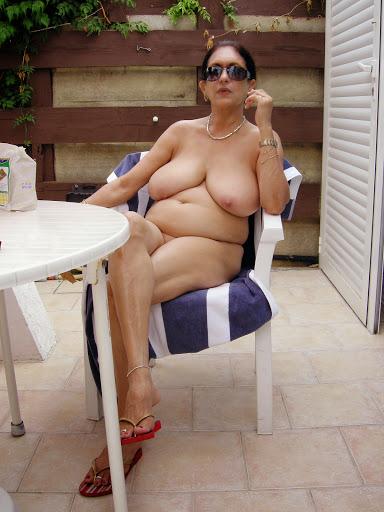 Nackt Bilder : Faltige Riesenbrüste alt und verbraucht   nackter arsch.com