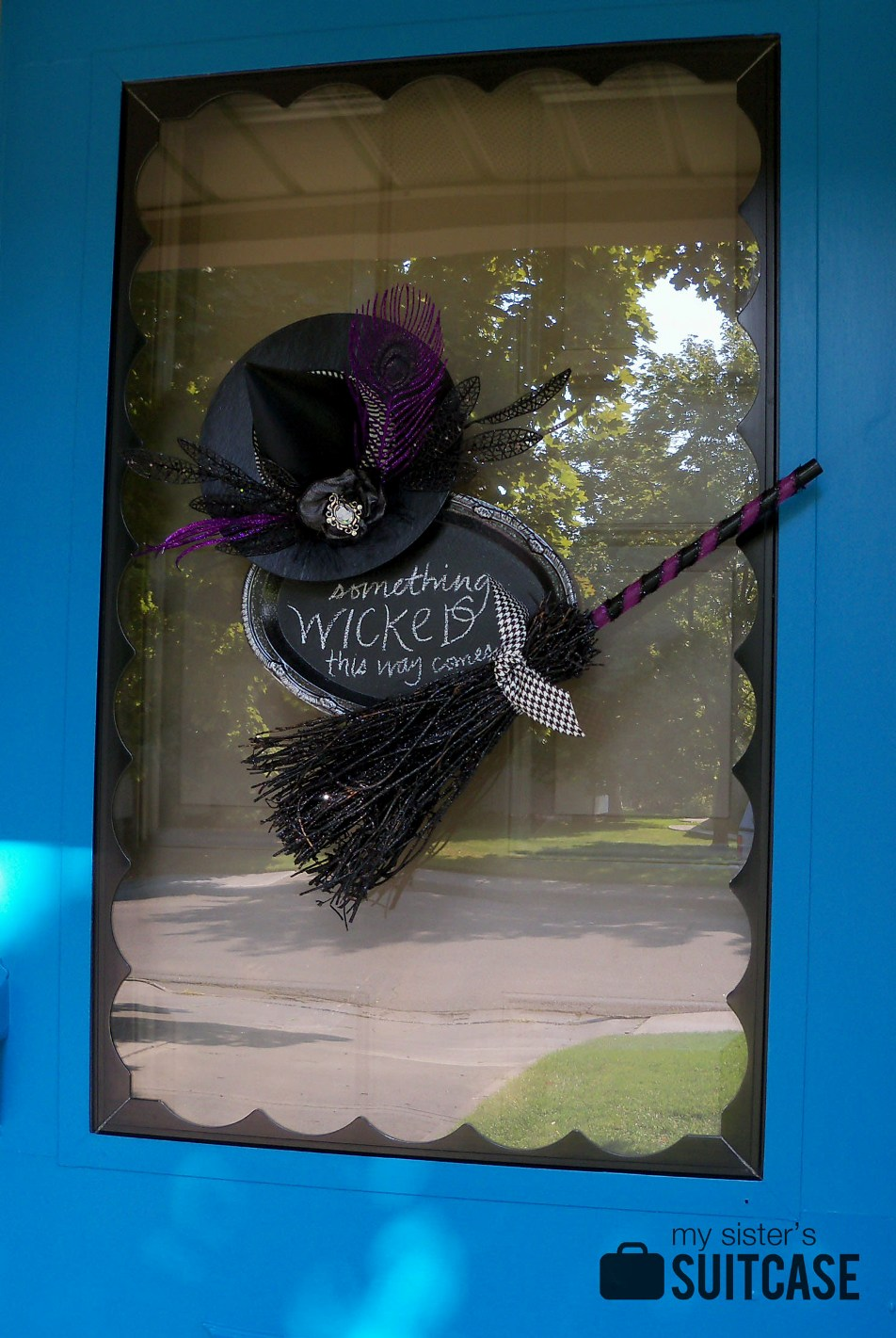 halloween door decor my sister 39 s suitcase packed with. Black Bedroom Furniture Sets. Home Design Ideas