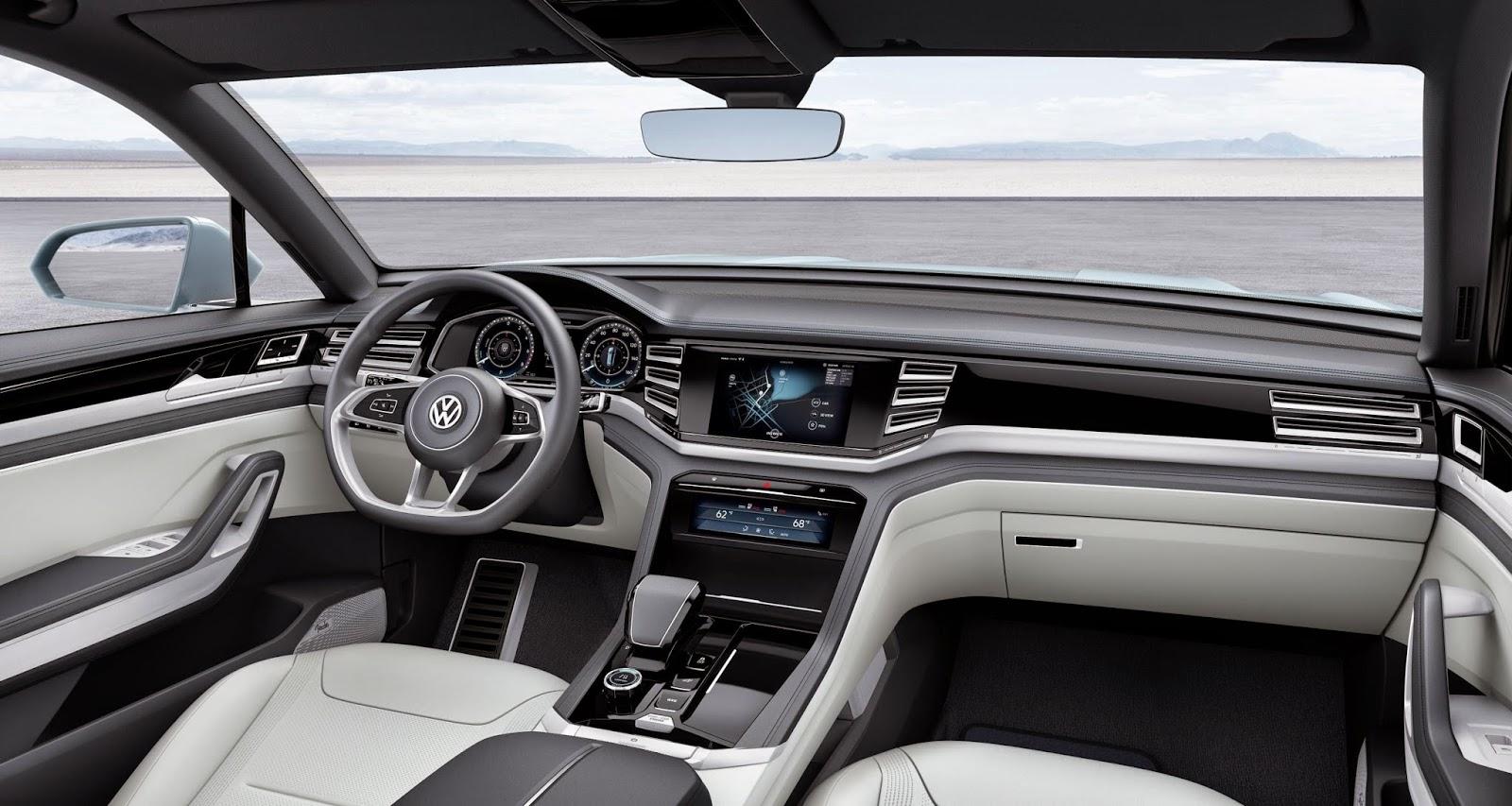 Volkswagen Cross coupe GTE interior