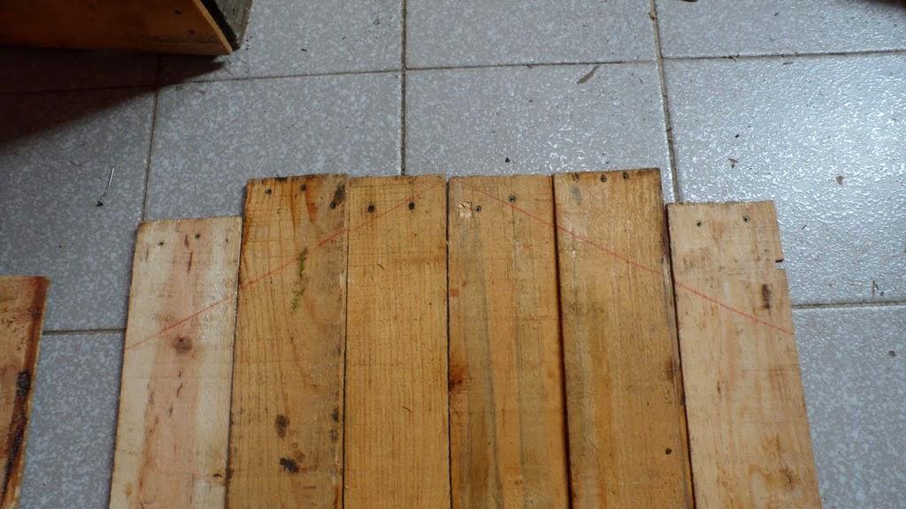 Caseta para perros hecha con cajas de - Construir en madera ...