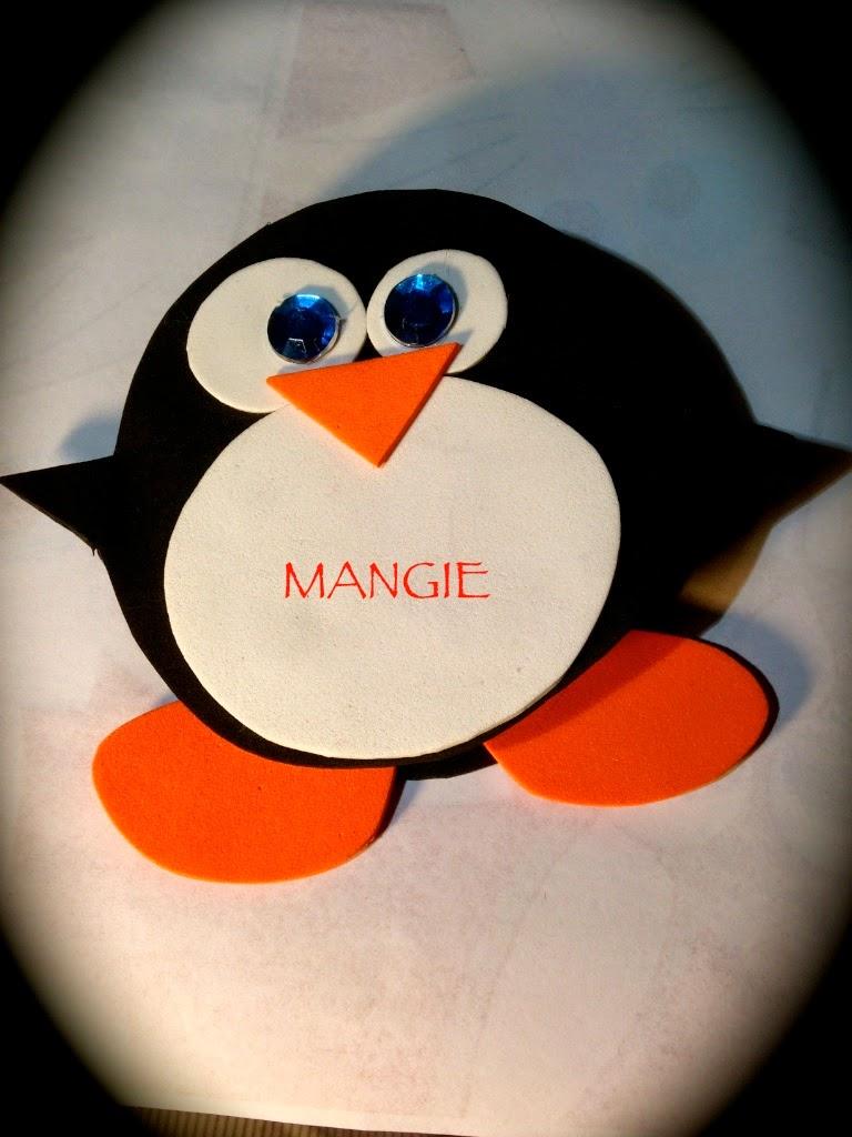 Pingüino porta notas