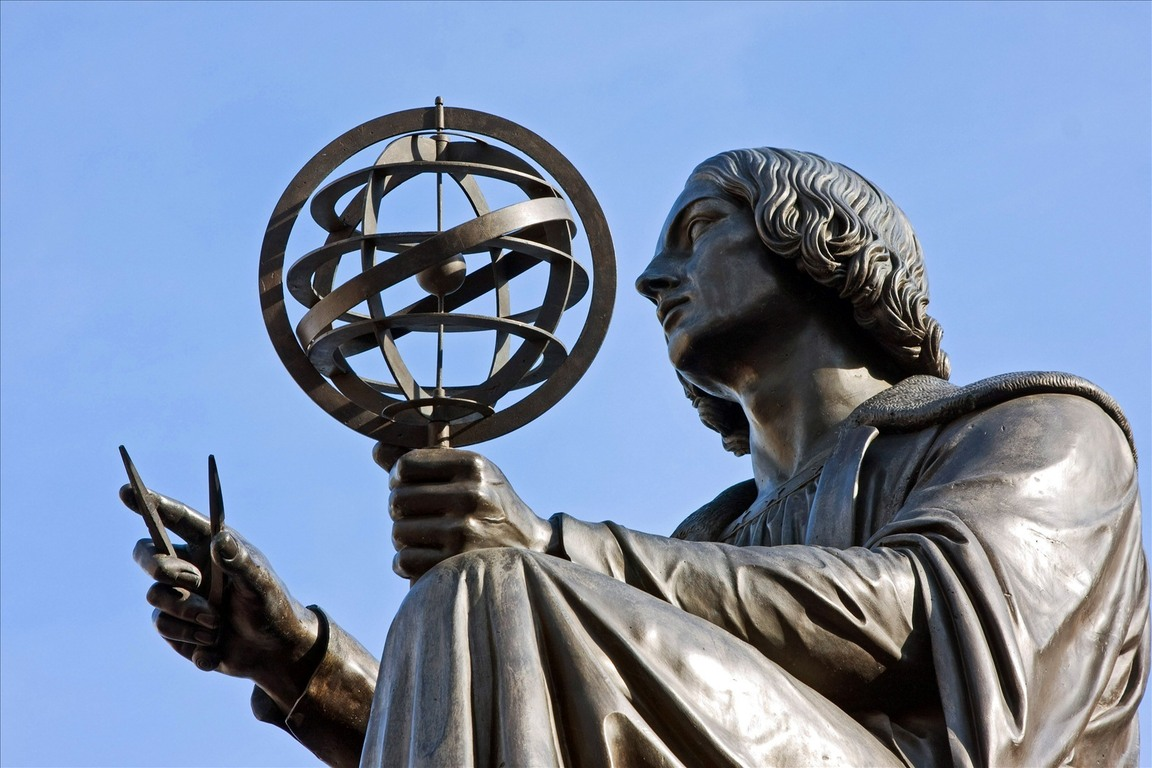 a biography of nicolaus copernicus from poland Copernicus was born in 1473 in the city of toruń (german: thorn), in royal prussia, an autonomous province of the kingdom of polandhe was educated in poland and italy, and spent most of his working life in frombork (frauenburg), warmia, where he died in 1543.