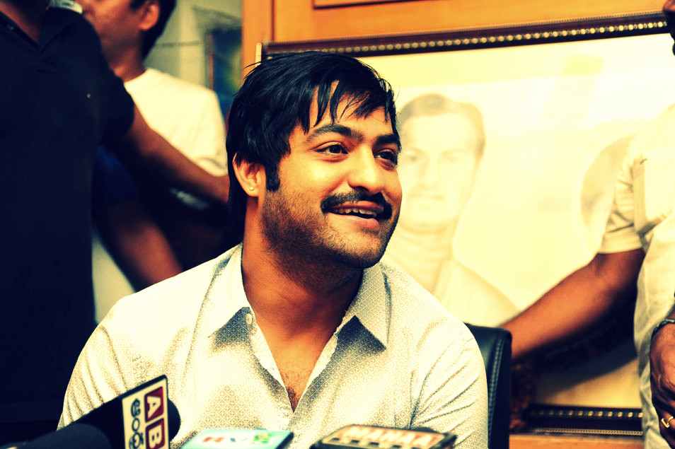 Prince Downloads Ntr With 7 Hairstyles In Baadshah