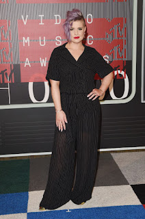 kelly osbourne red carpet vmas 2015 outfit fashion police