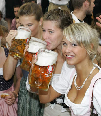 hot girl at oktoberfest