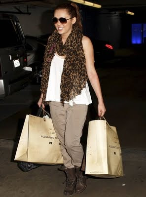 Miley Cyrus Shopping on Miley Cyrus Shopping Jpg