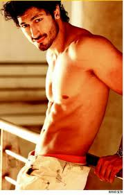 Vidyut-Jamwal-Bollywood-Actor-pics-5