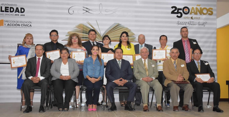 ENTREGAN A DOCENTES PREMIO MUNICIPAL DE EDUCACIÓN 2017