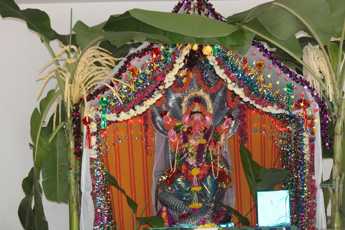 Ganesh chaturthi decoration god wallpapers for Background decoration for ganesh festival