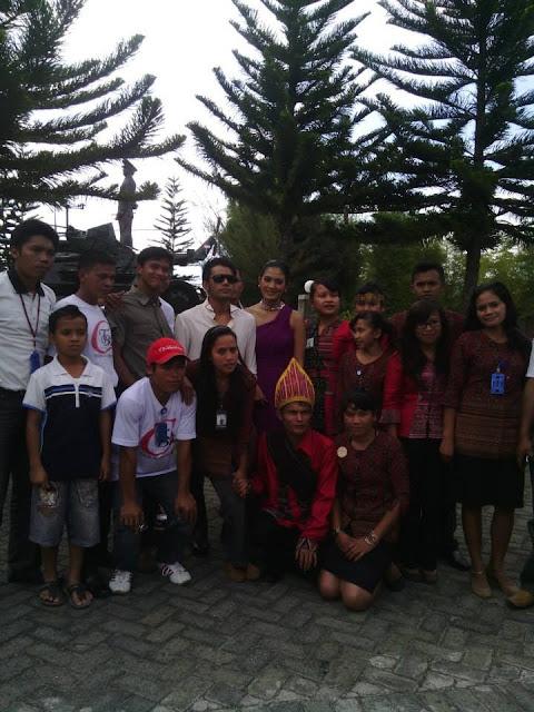 dengan Dumariris Br Silalahi Martumpol (Akad Nikah-red) di HKBP Balige