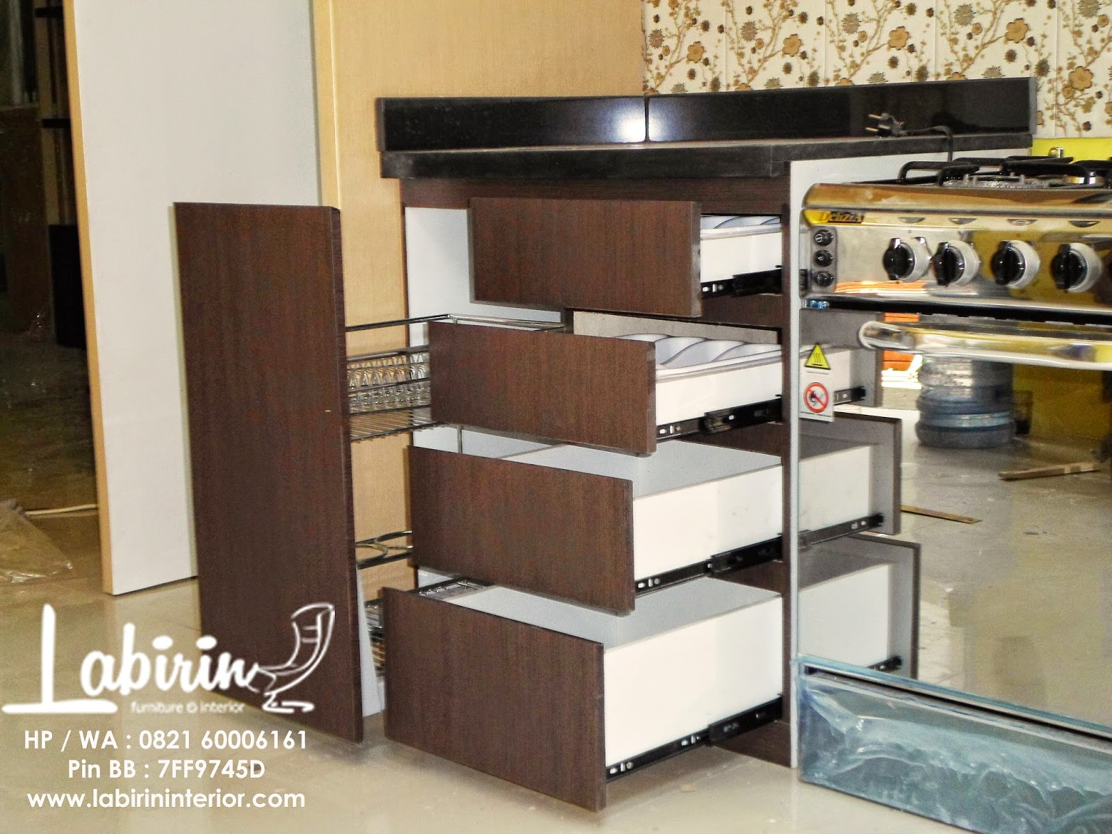 Kitchen set surabaya partisi surabaya bpk yusan for Laci kitchen set