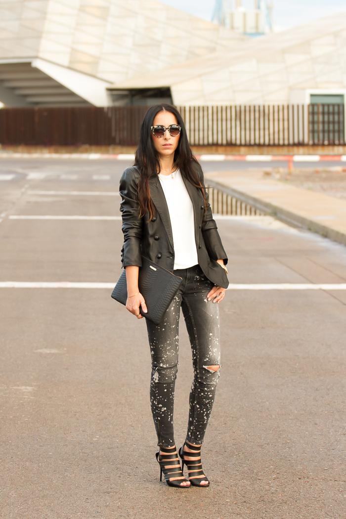 Blogger valenciana con Chaqueta de cuero estilo Balmain clon de Zara