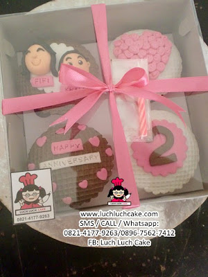 Cupcake Anniversary Pink Daerah Surabaya - Sidoarjo