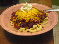 chili, beans, macaroni noodles, cold weather recipes, home cooking, spicy, shredded cheese, sour cream