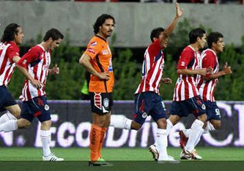 chivas golea 4 - 1 a pachuca en el torneo clausara 2011