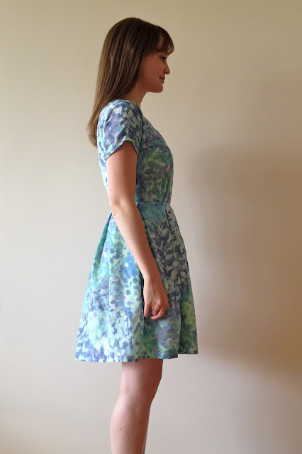 Diary of a Chain Stitcher: Zeena Dress in Silk/Cotton Voile from Mood Fabrics