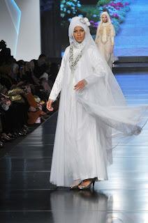 Model Busana Putih Hari Raya