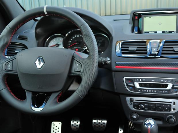Renault Mégane R.S. x Volkswagen Golf GTI - interior