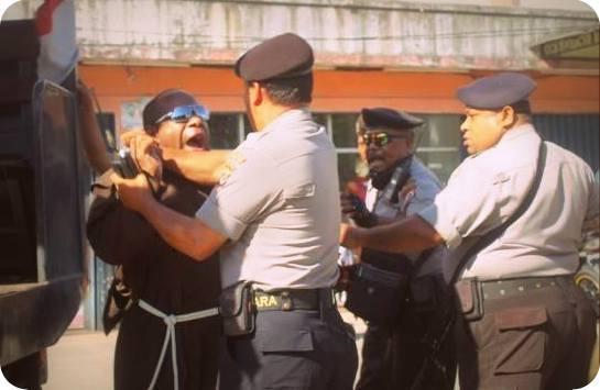 Abraham You, Wartawan Tabloidjubi.com Diserang Aparat Keamanan karena Memotret Penganiayaan Frater