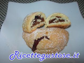 tortelli dolci con mosto d'uva e cioccolato