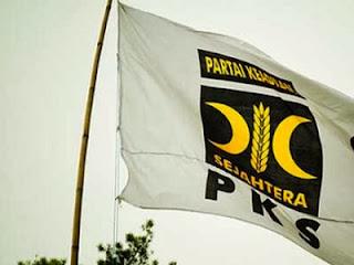 Bendera PKS (foto waspada.co.id)
